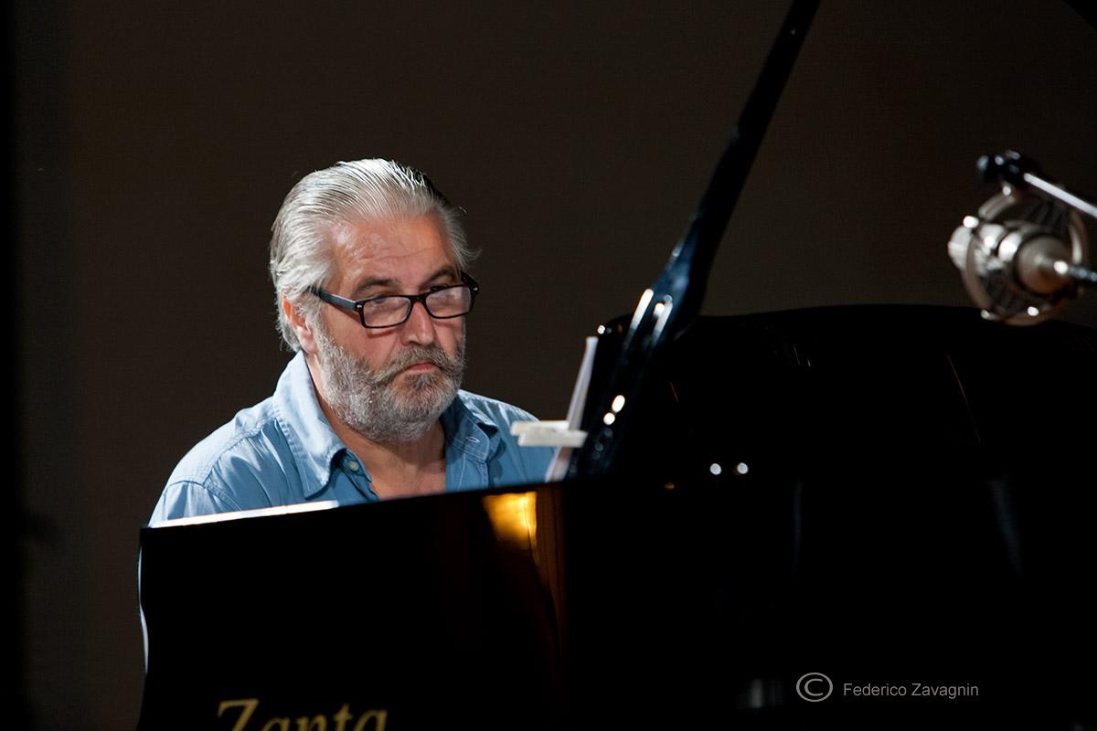 Claudio-Cojaniz-